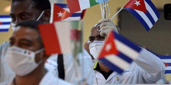 Presidente del Messico ringrazia i medici cubani per l'aiuto durante la pandemia